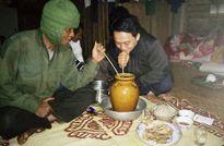 Tục ăn uống kỳ lạ của người Ma Coong