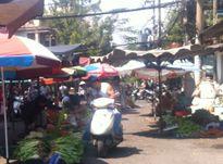 Thị trường TPHCM: mùng 4 Tết, hải sản, rau xanh tăng giá mạnh