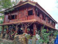 Căn nhà sàn cổ chứa toàn đá hiếm của đại gia Quảng Nam