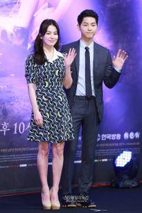 Nghi án phim giả tình thật trong 'Hậu duệ mặt trời': Những cặp đôi nổi tiếng nhất xứ Hàn