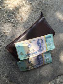Lượm hơn 75 triệu đồng ngay trung tâm Sài Gòn, tìm người mất trả lại