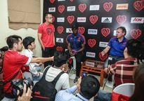 2 huyền thoại của Man Utd chia sẻ chân thành về bóng đá Việt Nam