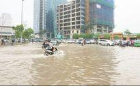 Hà Nội chìm trong biển nước: 'Mới chỉ là khúc dạo đầu'
