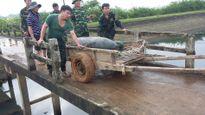 Hà Tĩnh: Nạo vét ao nuôi cá, kinh hãi thấy bom nặng 340kg nằm 'chình ình'