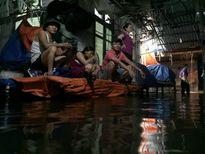 Hà Nội ngập sâu sau cơn mưa lớn nhất từ đầu năm