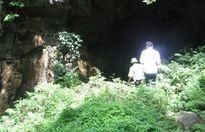 Thanh Hóa: Huy động gần 60 người tham gia cứu nạn 3 nạn nhân mắc kẹt trong hang đào vàng