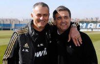 Jose Mourinho chọn cựu HLV Bình Dương làm trợ lý