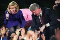 41 bức ảnh chưa từng công bố về Hillary Clinton, bao gồm 'khoảnh khắc Việt Nam'