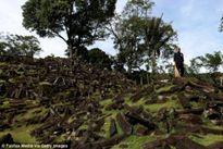 Bí ẩn về kim tự tháp Gunung Padang