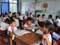 Trường tuyệt đối không được trực tiếp thu tiền mua đồng phục học sinh