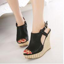 Kiểu giày đơn giản nhất là con gái ai cũng cần có