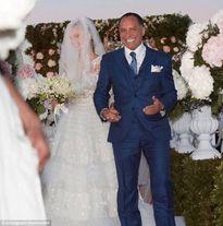 Đám cưới siêu sang trọng của người mẫu Playboy và chồng già hơn 40 tuổi