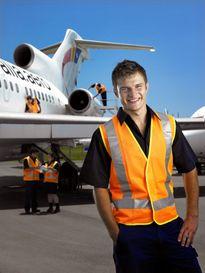 Kỹ sư bảo trì máy bay - Cơ hội nghề nghiệp rộng mở cùng mức lương 'khủng'