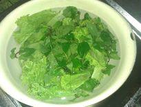 """Không phải """"lăn tăn"""" lo hóa chất trong rau nếu rửa bằng cách này"""