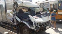 Tin tai nạn giao thông ngày 13/7:Xe bus đâm taxi, 21 người bị thương