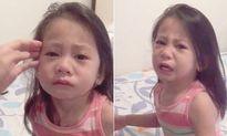 Bé 3 tuổi nức nở vì tưởng chị sắp chết khi đến kỳ kinh nguyệt