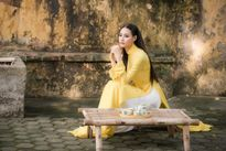 Hoa hậu Biển 2016 Thùy Trang tinh khôi trong trang phục áo dài