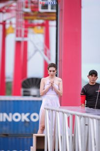 Viet Nam Next Top Model: Thí sinh khóc như mưa trong thách thức chụp ảnh trên không