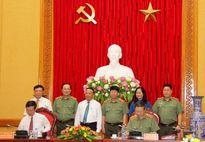 Bộ Công an và Ban Tuyên giáo TW ký kết phối hợp công tác