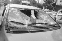 Làm rõ vụ vây đánh người, đập nát xe taxi