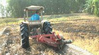 'Tức khí nhà nông' làm ra máy đắp bờ ruộng