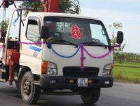 10 xe cẩu chạy 150 km rước dâu gây sốt tại Nghệ An