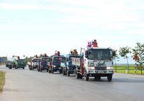 Nghệ An: Độc đáo đám rước dâu bằng… 10 xe cẩu