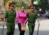 """Hoãn phiên xử """"Hoa hậu quý bà"""" Trương Thị Tuyết Nga"""