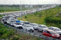Khoảng cách an toàn giữa 2 phương tiện tham gia giao thông?