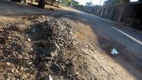 Nghệ An: Đường 57 tỷ đồng vừa bàn giao đã xuống cấp