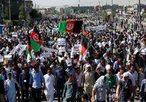 Đánh bom đẫm máu ở Kabul, hơn 250 người thương vong