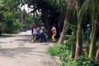3 thanh niên say xỉn 'đánh hội đồng' CSGT
