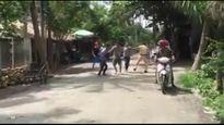 Ba 9x nhậu say, đánh CSGT ở Tiền Giang