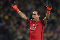 Barca ra giá cho Bravo, Man City mừng thầm