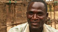 Hủ tục đáng bị lên án ở Malawi: Lây nhiễm HIV được xem là rửa tội
