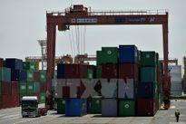 Lần đầu tiên thặng dư thương mại của Nhật tăng trong nửa đầu năm