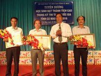 Cà Mau: Tuyên dương tập thể, cá nhân đạt thành tích cao thi THPT quốc gia