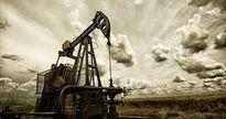 TT dầu TG ngày 25/7: Giá dầu thô ở gần mức thấp hai tháng do lo lắng dư cung