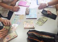 Hà Nội: CSGT trả lại hơn 43 triệu đồng cho người đánh rơi