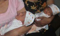 Xót thương cặp song sinh vừa chào đời đã mất mẹ