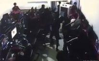 Nam thanh bị đâm chết sau khi nhìn nhóm côn đồ đua xe