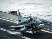 Tiêm kích AF-1 Skyhawk gặp nạn khi diễn tập
