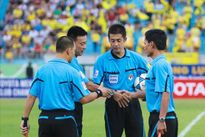 Trọng tài ngoại trở lại cầm còi tại V.League 2016