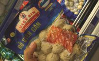 Công ty Việt Sin sản xuất bò viên làm từ thịt trâu và cá phủ... phẩm màu