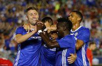 Fabregas bị đuổi trong trận thắng mang 'thương hiệu' Conte của Chelsea trước Liverpool