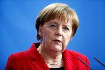 Thủ tướng Đức cắt ngắn kỳ nghỉ, đối mặt chỉ trích về chính sách tị nạn