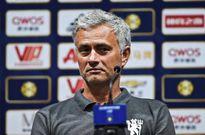 MU trước thềm mùa giải mới: Mourinho khó xử vì Rooney