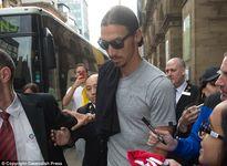 Zlatan Ibrahimovic tập luyện cùng đồng đội mới, Paul Pogba lại ám chỉ tương lai