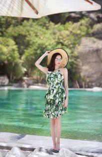 Hoa hậu Đông Nam Á Diệu Linh gợi ý trang phục đi biển mùa hè