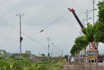 Hoàn thành việc khắc phục sự cố về điện sau bão số 1